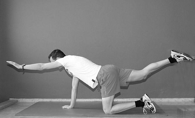 oefening 6 op knieën zittend