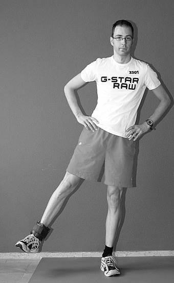 oefening 9 één been zijwaarts met enkelgewicht